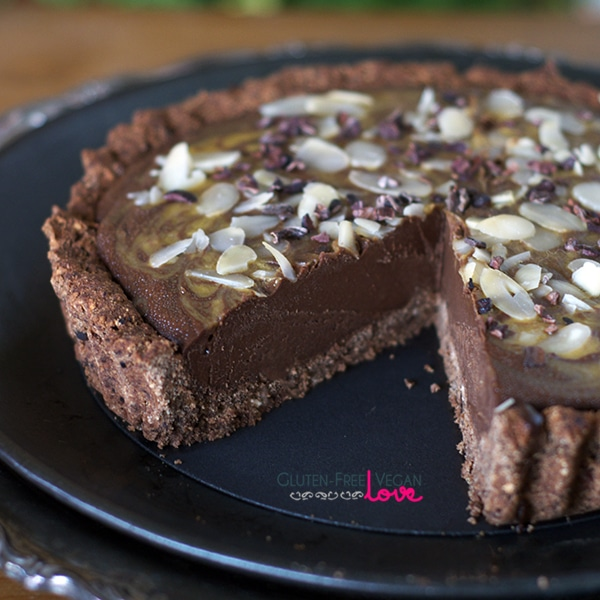 Paleo and Gluten-Free Vegan Mango Carob Tart {AIP-Friendly, Refined Sugar-Free}