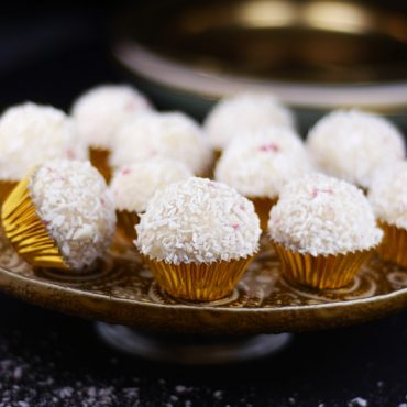 Gluten-Free Vegan Candy Cane Snowballs Recipe