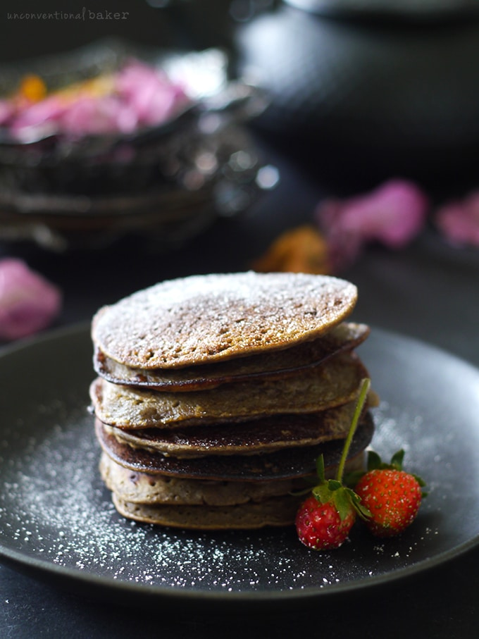 Easy 4 Ingredient Blender Pancakes {Free from: gluten, dairy, eggs, starches, oils, and refined sugars}