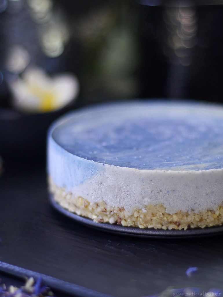 Blue Surf Cake (Raw, Naturally Colored, and Free From: Dairy, Gluten and Grains, Added Oils, Refined Sugar)