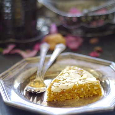 Raw Almond Apricot Slice (Free from: gluten & grains, dairy, oils, refined sugar)