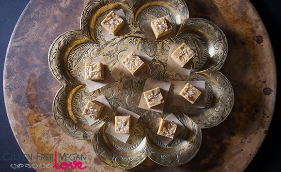 Tahini Fig Raw Fudge Bites {Raw, Gluten-Free, Vegan, Fruit Sweetened}