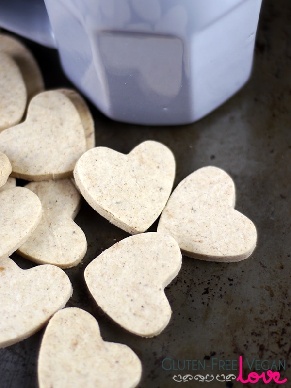 Vegan Gluten-Free Ginger Thins {Refined Sugar-Free}