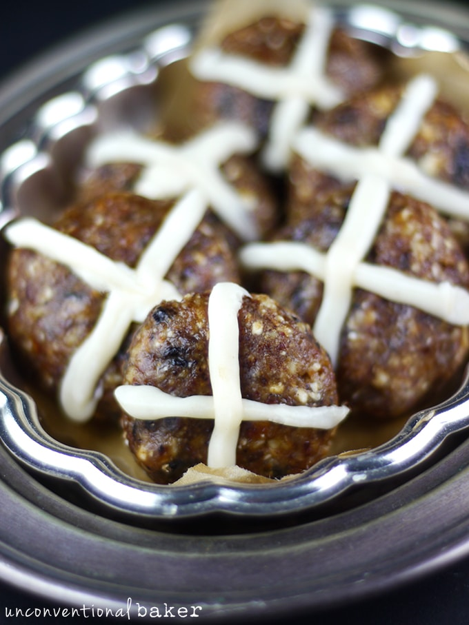 "Raw ""Hot Cross Bun"" Cookies {Gluten-Free, Paleo, Vegan, Refined Sugar-Free, SCD, AIP-Friendly}"
