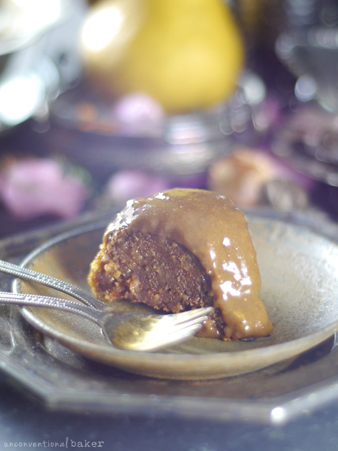 recipe: pear cake with caramel sauce [11]