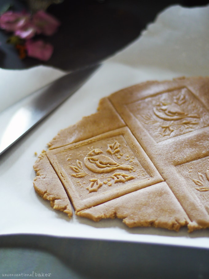 Speculaas Cookies {Free from: gluten, dairy, eggs, nuts, and refined sugar}