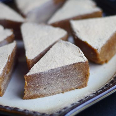 Cashew Lucuma Fudge (Free From: dairy, gluten & grains, refined sugar, added oils)