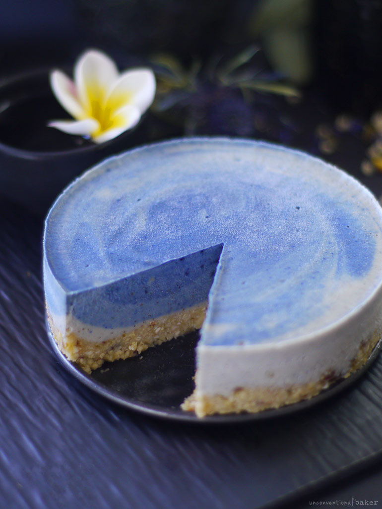 Blue Surf Cake (Raw, Naturally Colored, and Free From: Dairy, Gluten & Grains, Refined Sugar)