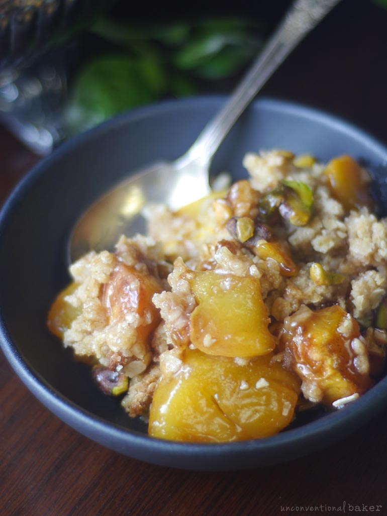 peach oat crumble (gluten-free and vegan)