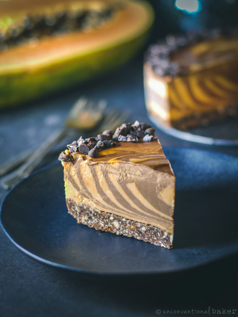 papaya and chocolate cheesecake -- raw vegan recipe